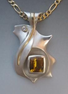 SA-StevenAmber-Voorheis-TreasureBoxwithGoldenBeryl